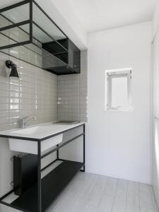 A bathroom at AOCA KAMINOGE 401