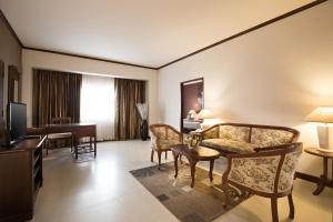 A seating area at Mercure Chiang Mai