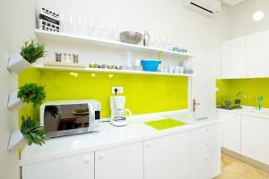 A kitchen or kitchenette at Apartment Marmonaut