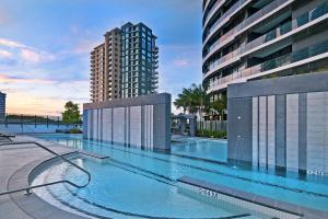 The swimming pool at or near Luxury 3 Bedroom in heart of Broadbeach