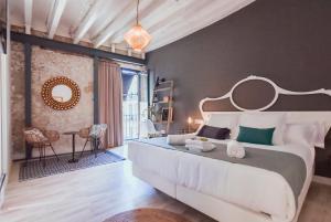 Cama o camas de una habitación en Hotel Boutique Alicante Palacete S.XVII Adults Only