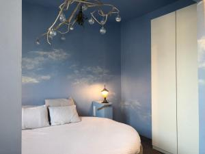 A bed or beds in a room at House Le Prince D'Anvers