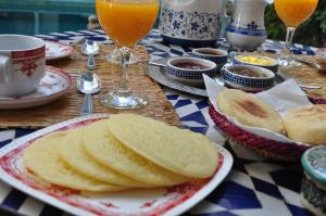 Breakfast options available to guests at Riad Abaka by ghali annexe