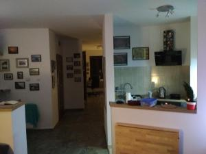A kitchen or kitchenette at Walbrzych - przytulne, nowe mieszkanie