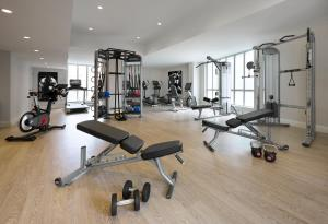 The fitness center and/or fitness facilities at The Novotel Toronto Centre