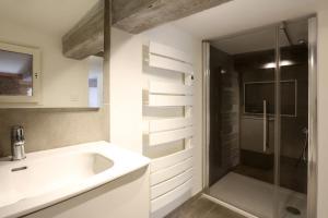Salle de bains dans l'établissement Riverside Toulouse (Renaissance)