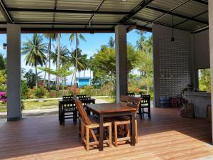 ห้องอาหารหรือที่รับประทานอาหารของ Mook Ing Lay