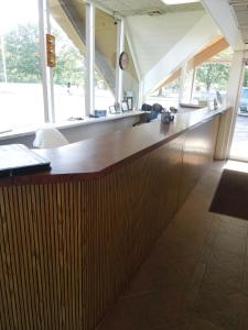 A kitchen or kitchenette at Crystal Inn - Neptune