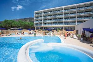 The swimming pool at or near Bluesun Hotel Elaphusa