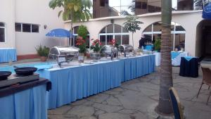 A restaurant or other place to eat at Hillcourt Resort and Spa