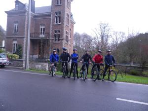 Cycling at or in the surroundings of La Villa des Roses