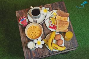 Breakfast options available to guests at Aukotan Place