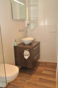 A bathroom at Bed & Breakfast Madeleine
