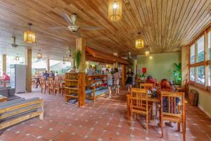 Ресторан / где поесть в Azura Resort