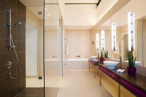 Ванная комната в Vienna House Andel's Lodz