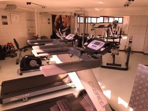 The fitness centre and/or fitness facilities at Apartamento de Luxo no melhor bairro