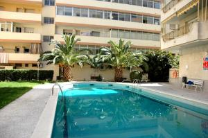 The swimming pool at or near Apartamentos Indasol