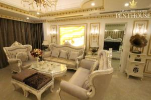 Khu vực ghế ngồi tại Hoang Trieu Hotel
