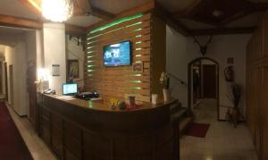 """Lobby/Rezeption in der Unterkunft Hotel Krmstl """"Zur Stadt Gmunden"""""""