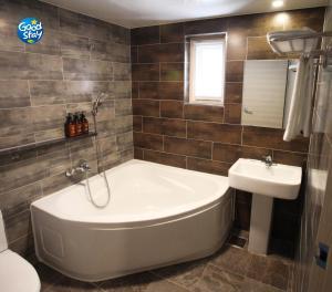 A bathroom at Business Hotel Haeundae S