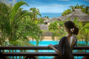 Vue sur la piscine de l'établissement Iloha Seaview Hotel ou sur une piscine à proximité