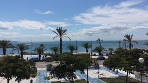Vista sulla piscina di B&B Una Rotonda sul mare o su una piscina nei dintorni
