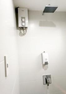A bathroom at 1521 Hostel