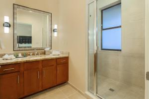 Ванная комната в Hilton Promenade Branson Landing