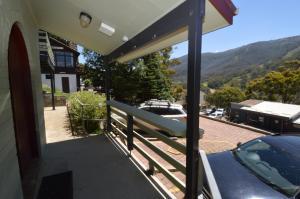 A balcony or terrace at Karoonda 2