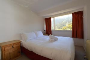 A bed or beds in a room at Karoonda 2