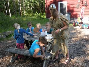 En familj som bor på Johannisholm Adventure