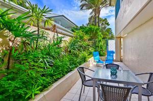 A balcony or terrace at Iluka Retreat Apartments @ Palm Beach