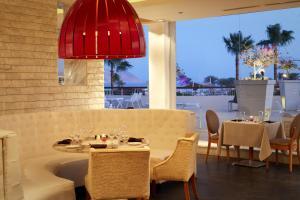 Ресторан / й інші заклади харчування у Coral Sea Sensatori Resort