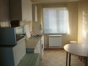 Кухня или мини-кухня в Guest house KOROBICINO