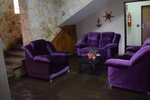 A seating area at Diplomata Hotel