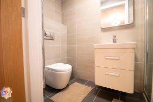 A bathroom at Om Ormskirk apartment.