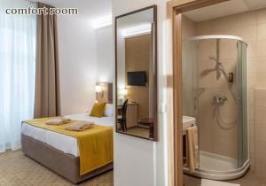 A bathroom at Grand Hotel Rogaska