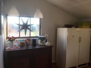 Majoituspaikan Vånga Hostel keittiö tai keittotila