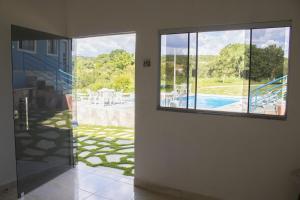 Vista de la piscina de Chacara Salek o alrededores