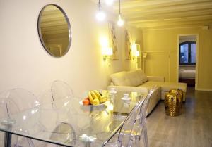Coin salon dans l'établissement Barcelona Mercaders Apartments