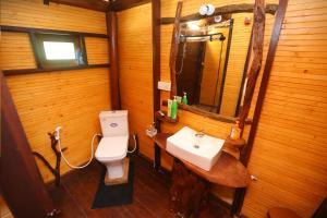A bathroom at Go Yala Farm Villa