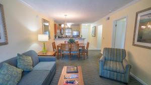 A seating area at Blue Tree Resort at Lake Buena Vista