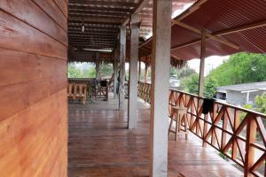 Un balcón o terraza de La Jungla