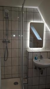A bathroom at Ferienwohnung Laux