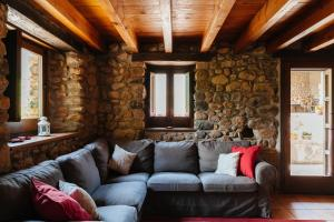 A seating area at Cal Pesolet Eco Turisme Rural