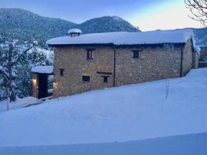 Cal Pesolet Eco Turisme Rural during the winter
