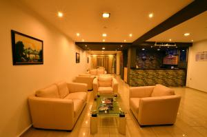 The lounge or bar area at Konfor Suite Otel
