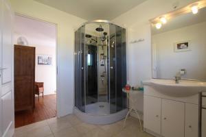 A bathroom at Maison Lajus