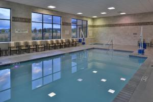 The swimming pool at or near Hampton Inn & Suites Bend
