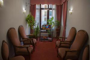 Posedenie v ubytovaní Hostal Lamalonga